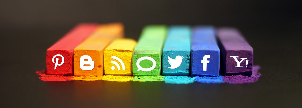 Italiani e social media: uno sguardo al cambiamento