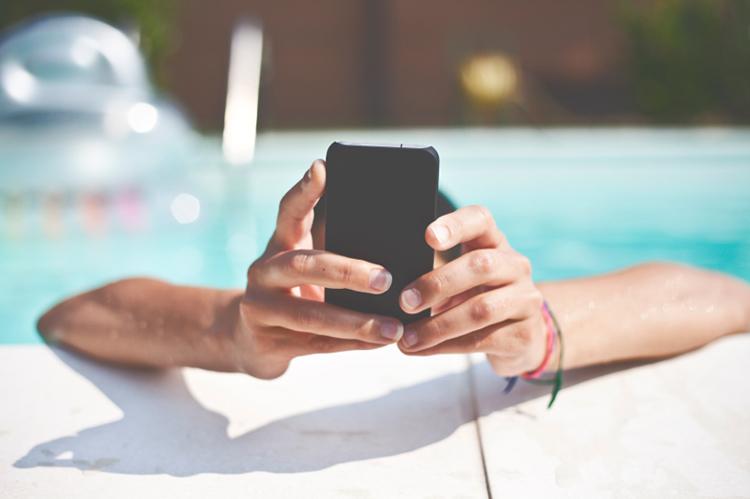 Email marketing sotto l'ombrellone: qualche strategia per raggiungere i clienti