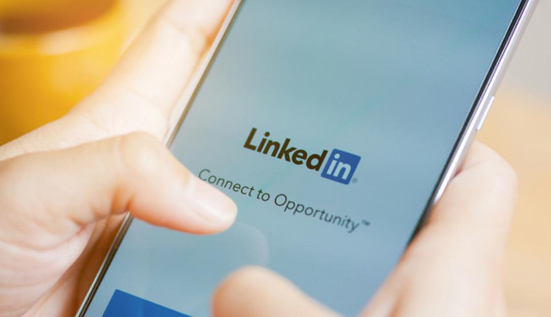 Negli USA arriva LinkedIn Live: al via le dirette video per aziende e utenti privati