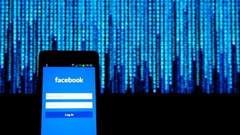 Facebook: 30 applicazioni per Android inviano dati senza consenso
